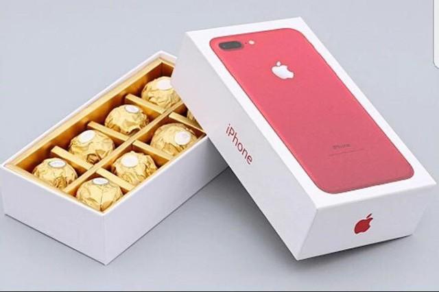 Iphone X chỉ 400.000 đồng, giới trẻ sốt xình xịch tặng nhau dịp 14.2 - Ảnh 1.
