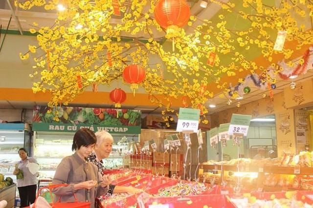 Người Việt thích hàng ngoại hơn hàng nội - Ảnh 1.