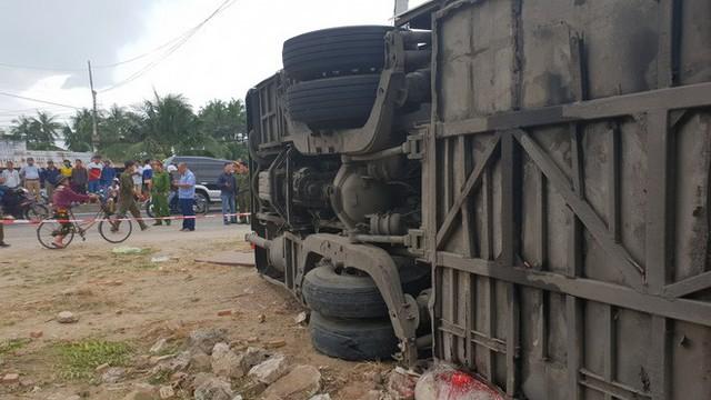 Xe khách Bắc Nam lao vào nhà dân, hàng chục người nhập viện - Ảnh 4.