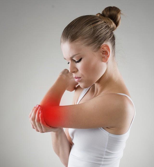 8 dấu hiệu cảnh báo bệnh gan: Nếu có triệu chứng là bạn cần đến bác sĩ càng sớm càng tốt - Ảnh 6.