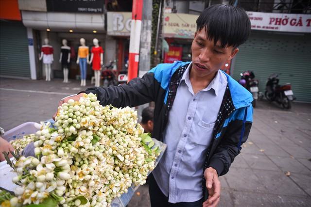 Đất Hà Thành thơm lừng mùa hoa bưởi - Ảnh 5.