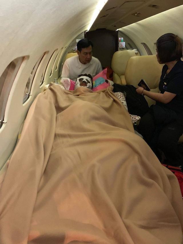 Việt kiều bị tạt axít và chém đứt gân chân khi chở bạn gái đi chơi được chuyển qua Canada điều trị bằng chuyên cơ - Ảnh 5.
