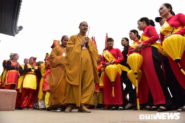 Ảnh: Vạn người tham gia lễ rước nước tại chùa Tam Chúc lớn nhất thế giới - Ảnh 11.