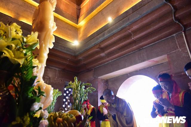 Ảnh: Vạn người tham gia lễ rước nước tại chùa Tam Chúc lớn nhất thế giới - Ảnh 13.