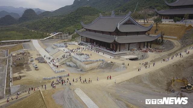 Ảnh: Vạn người tham gia lễ rước nước tại chùa Tam Chúc lớn nhất thế giới - Ảnh 14.