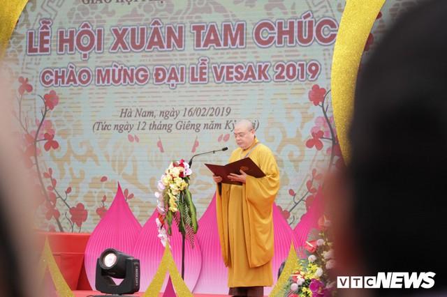 Ảnh: Vạn người tham gia lễ rước nước tại chùa Tam Chúc lớn nhất thế giới - Ảnh 3.