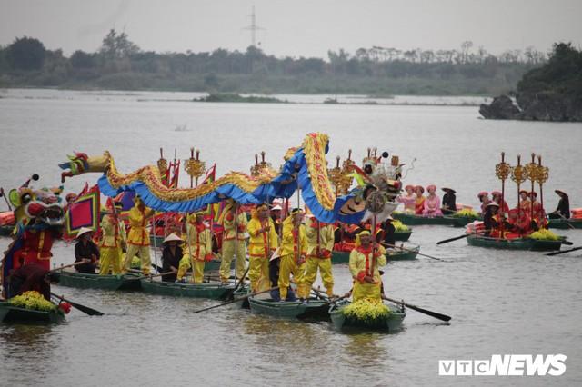 Ảnh: Vạn người tham gia lễ rước nước tại chùa Tam Chúc lớn nhất thế giới - Ảnh 4.