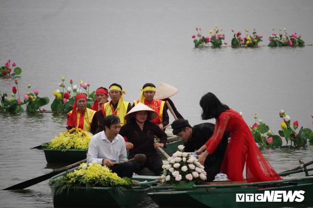 Ảnh: Vạn người tham gia lễ rước nước tại chùa Tam Chúc lớn nhất thế giới - Ảnh 5.