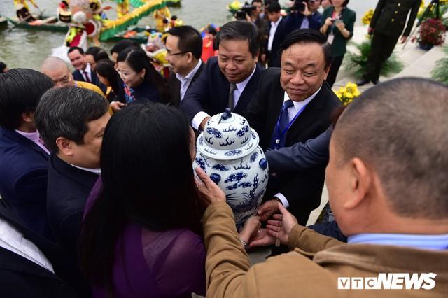 Ảnh: Vạn người tham gia lễ rước nước tại chùa Tam Chúc lớn nhất thế giới - Ảnh 7.