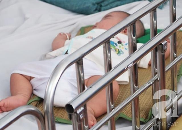 Dịch sởi đang diễn biến bất thường nhưng nhiều bà mẹ vẫn anti vaccine: Coi chừng mất mạng con - Ảnh 1.