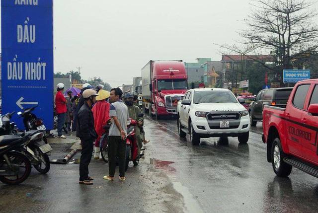 Xe container gây tai nạn liên hoàn nghiêm trọng, 8 người thương vong  - Ảnh 6.