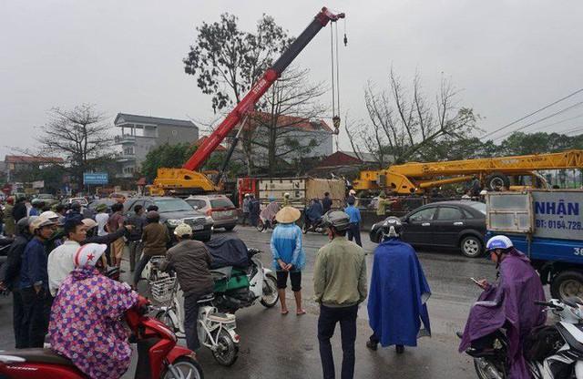 Xe container gây tai nạn liên hoàn nghiêm trọng, 8 người thương vong  - Ảnh 9.
