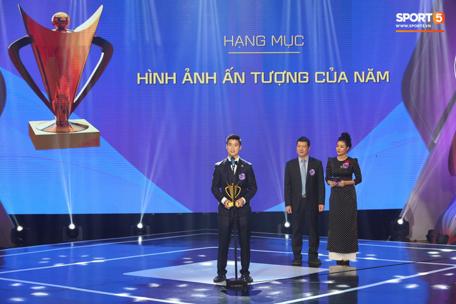 Duy Mạnh cắm cờ trên tuyết được chọn là khoảnh khắc ấn tượng nhất của thể thao Việt Nam năm 2018 - Ảnh 2.