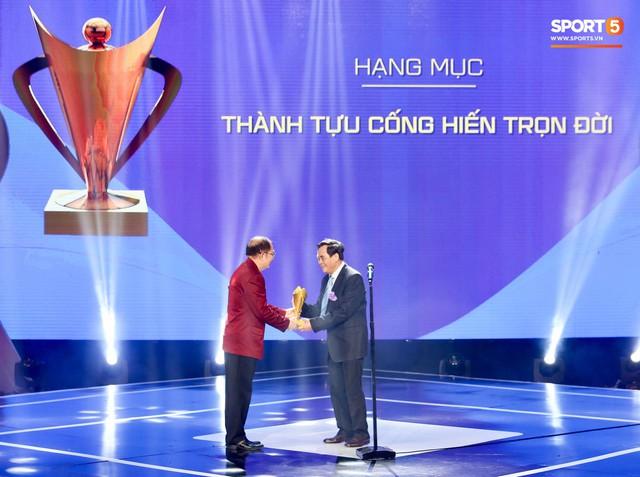 Duy Mạnh cắm cờ trên tuyết được chọn là khoảnh khắc ấn tượng nhất của thể thao Việt Nam năm 2018 - Ảnh 12.