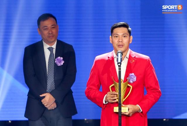 Duy Mạnh cắm cờ trên tuyết được chọn là khoảnh khắc ấn tượng nhất của thể thao Việt Nam năm 2018 - Ảnh 9.