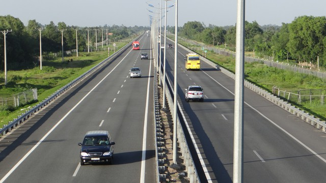Năm 2020, phấn đấu thông xe tuyến cao tốc Trung Lương - Mỹ Thuận - Ảnh 1.