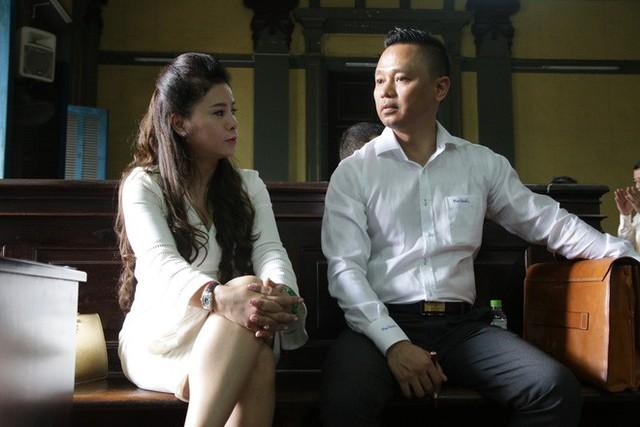 Cuộc tranh luận nảy lửa của vợ chồng ông chủ cà phê Trung Nguyên: Ngồi ở đây là nỗi nhục - Ảnh 2.