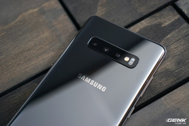 Trên tay Galaxy S10 và S10+: Bước ngoặt mới trong thiết kế smartphone - Ảnh 13.