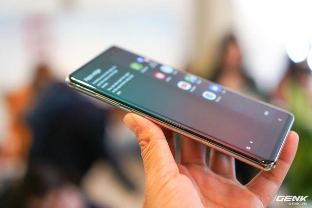 Trên tay Galaxy S10 và S10+: Bước ngoặt mới trong thiết kế smartphone - Ảnh 4.