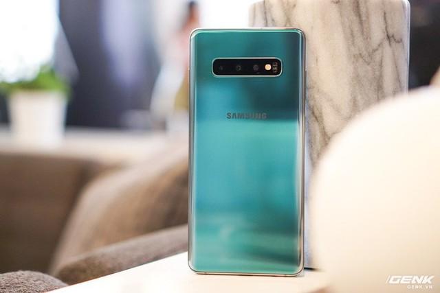 Trên tay Galaxy S10 và S10+: Bước ngoặt mới trong thiết kế smartphone - Ảnh 5.
