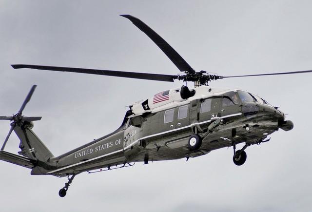 Mỹ xét nghiệm kỹ càng xăng máy bay Jet A1 trước khi tra nạp tại Nội Bài - Ảnh 1.