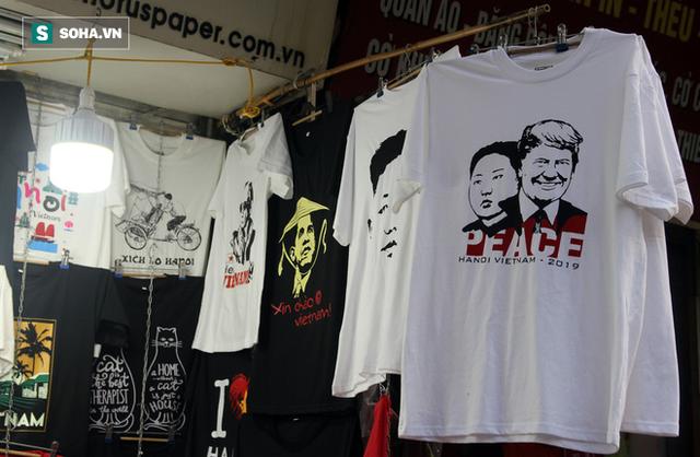 Kiếm chục triệu mỗi ngày nhờ bán áo in hình Donald Trump - Kim Jong Un - Ảnh 2.