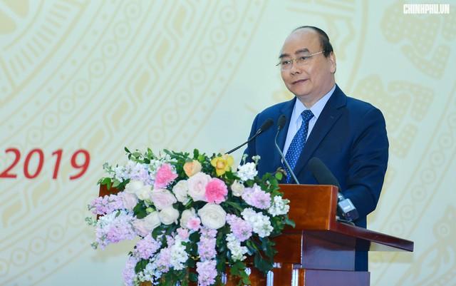 Thủ tướng: Đưa Việt Nam trở thành công xưởng sản xuất, chế biến, xuất khẩu đồ gỗ của thế giới - Ảnh 2.