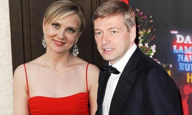 Vụ ly hôn rùm beng nhất nước Nga: Tỷ phú tranh giành khối tài sản 6,8 tỷ USD với vợ cũ, kiện cáo ròng rã suốt 6 năm trời - Ảnh 3.