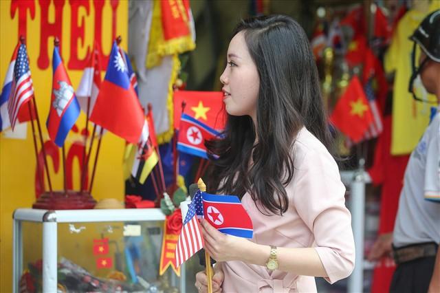 Cận cảnh xưởng làm áo Tổng thống Mỹ và nhà lãnh đạo Triều Tiên - Ảnh 9.