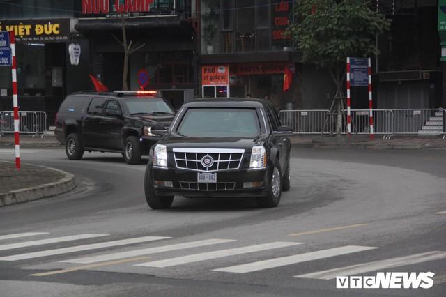 Dàn xe quái thú của Tổng thống Donald Trump đổ bộ khách sạn Marriott - Ảnh 5.
