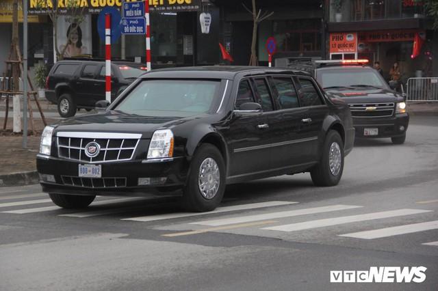 Dàn xe quái thú của Tổng thống Donald Trump đổ bộ khách sạn Marriott - Ảnh 6.