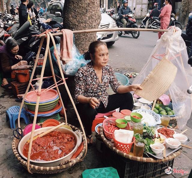 """""""Tây ba lô"""" xếp hạng Hà Nội là thành phố du lịch rẻ nhất thế giới - Ảnh 2."""