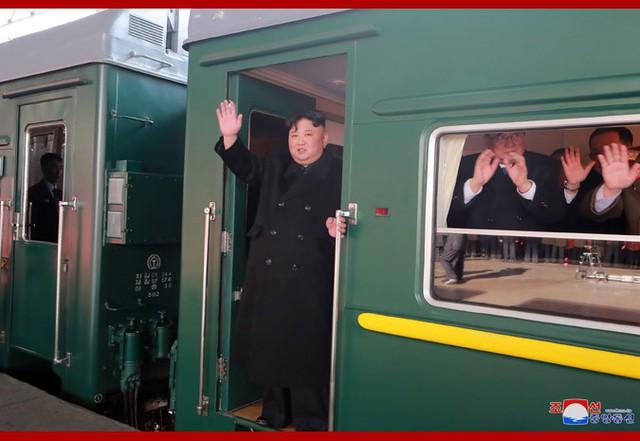 Hình ảnh đầu tiên của Chủ tịch Kim Jong-un rời Bình Nhưỡng đến hội nghị Mỹ-Triều - Ảnh 1.