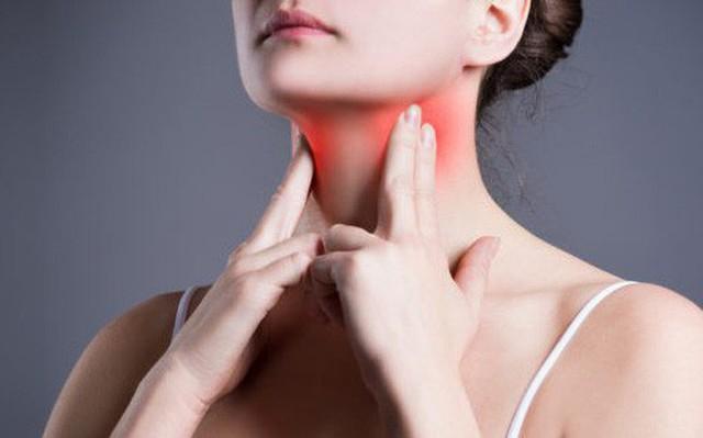 Nếu thường đau họng vào mùa xuân có thể là dấu hiệu cho thấy bạn đang bị bệnh này - Ảnh 2.