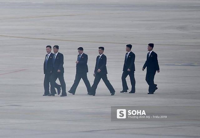 Lực lượng mật vụ tinh nhuệ của ông Kim Jong-un đổ bộ hùng hậu xuống Hà Nội - Ảnh 5.