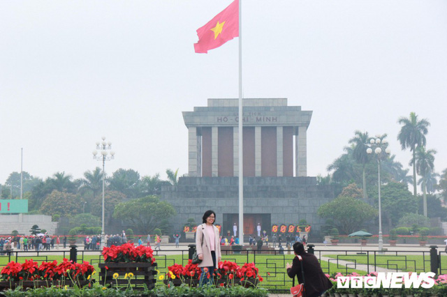 Ảnh: Đường phố Hà Nội rợp cờ hoa trước thềm Hội nghị thượng đỉnh Mỹ - Triều - Ảnh 5.
