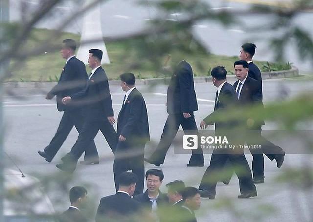 Lực lượng mật vụ tinh nhuệ của ông Kim Jong-un đổ bộ hùng hậu xuống Hà Nội - Ảnh 6.