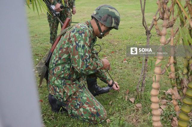 Công binh dò mìn tại các khách sạn lớn ở Hà Nội - Ảnh 5.