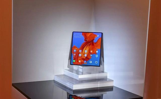 Huawei ra mắt smartphone màn hình gập 5G Mate X: mỏng hơn cả iPad Pro, sạc nhanh gấp 6 lần iPhone XS Max, giá 2.300 euro - Ảnh 12.