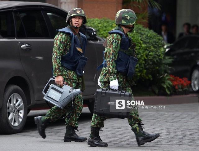 [Ảnh] 3 chú khuyển đặc biệt kiểm tra khách sạn Melia trước ngày Chủ tịch Kim Jong-Un đến Việt Nam - Ảnh 3.