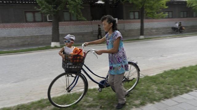 Chùm ảnh: Cuộc sống của thế hệ trẻ lớn lên ở Triều Tiên - Ảnh 7.
