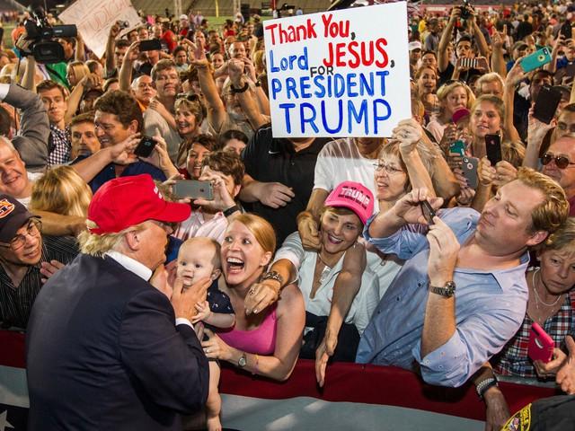 Donald Trump: Từ đứa trẻ hiếu chiến đến vị Tổng thống muốn mang lại hòa bình cho thế giới - Ảnh 10.