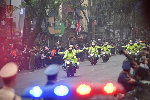 Đoàn xe chủ tịch Triều Tiên Kim Jong Un về đến khách sạn Melia, Hà Nội - Ảnh 1.