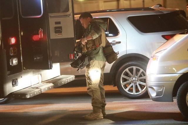 Đoàn siêu xe The Beast đưa Tổng thống Trump về khách sạn JW Marriott qua cửa bếp - Ảnh 36.