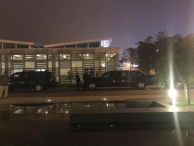 Đoàn siêu xe The Beast đưa Tổng thống Trump về khách sạn JW Marriott qua cửa bếp - Ảnh 37.