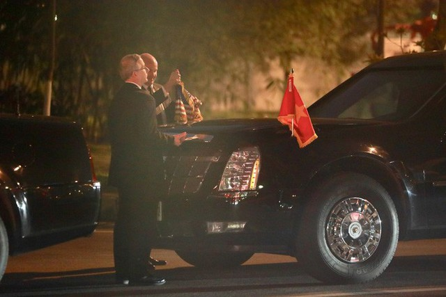 Đoàn siêu xe The Beast đưa Tổng thống Trump về khách sạn JW Marriott qua cửa bếp - Ảnh 38.