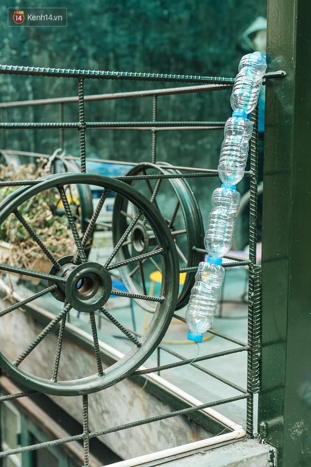 Chuyện chàng trai lớn lên từ ngôi làng ung thư quyết tâm tạo một quán cafe từ hàng nghìn đồ tái chế giữa phố cổ Hà Nội - Ảnh 16.
