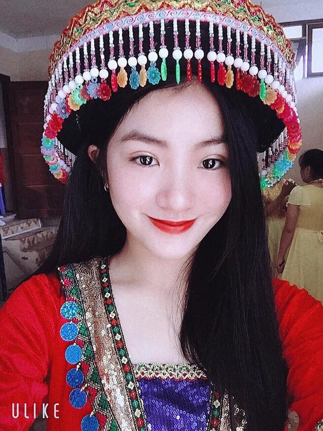 Nữ sinh mặc áo dài trắng tặng hoa cho chủ tịch Kim Jong-un đang gây sốt MXH là ai? - Ảnh 3.