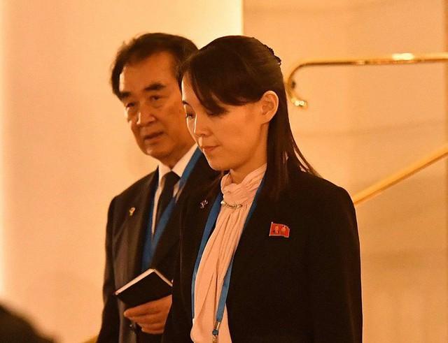 Nóng: Em gái ông Kim Jong-un cùng quan chức Triều Tiên bất ngờ xuất hiện tại khách sạn Metropole - Ảnh 3.