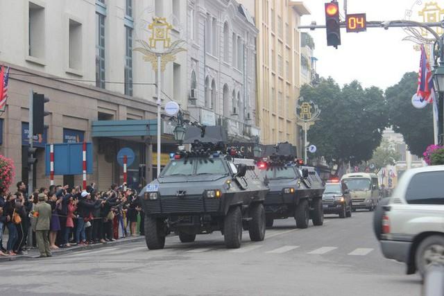 Đoàn xe chủ tịch Triều Tiên Kim Jong Un tiến vào trung tâm Hà Nội - Ảnh 4.